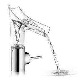 Grifo de lavabo monomando transparente y abierto