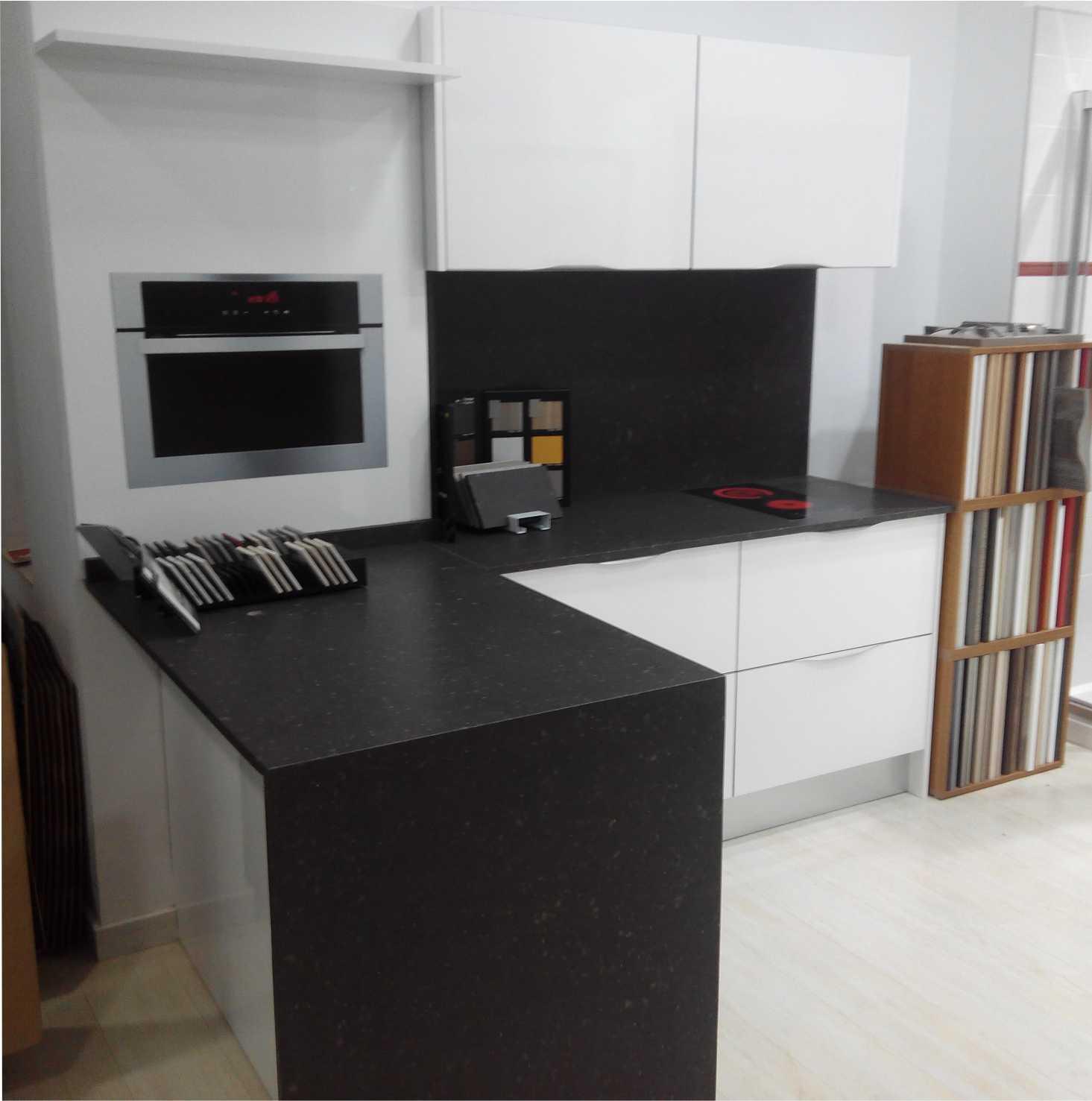 Nueva exposici n de muebles de cocina en valencia totducha - Muebles de cocina en valencia ...