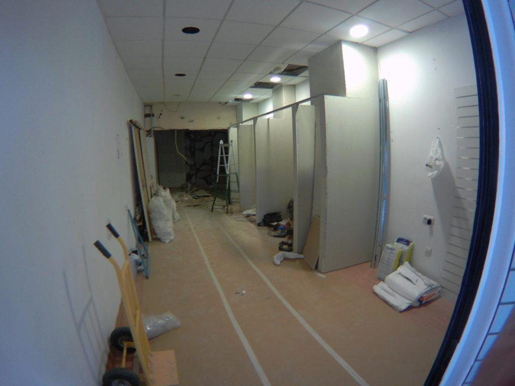 obras del interior del nuevo local Totducha en Alicante